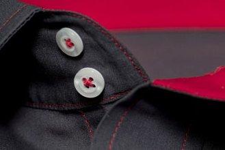 #1106: Dunkelgrauer Popeline mit roten Kontraststoffen und roten Garnen