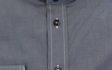 Stehkragenhemd mit hellgrauem Garn