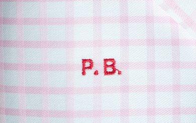 Monogramm Rot