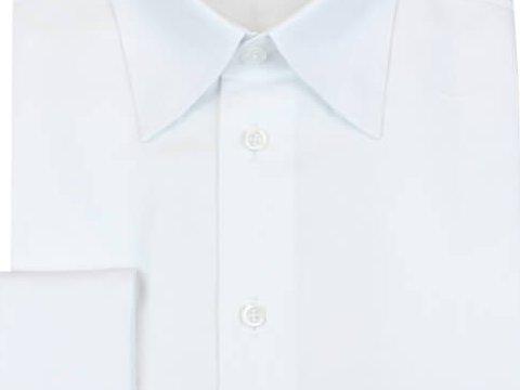 Weißes Hemd mit Umschlagmanschette